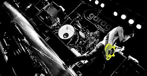 Basgitaar | Het fundament van elke goede band rust op de bassist en drummer. Tijdens jouw basles leer je alles over de basgitaar, het neerleggen van de dikste grooves en het spelen van funky licks.  | te Oisterwijk at Groovability.nl